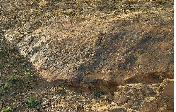 Schalenstein in Spanien, Provinz Zaragoza Aragón Romanos